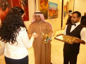 Kuwaiti hospitality: Tea and Delicacies