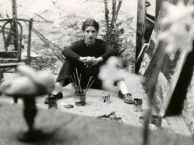 Soshana sitting in her studio | Paris 1956