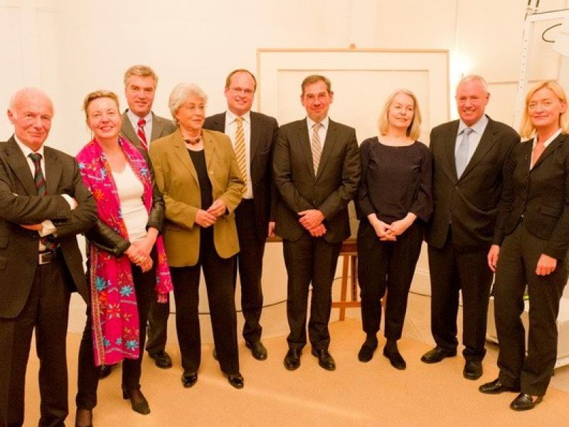 From left to right: Prof. Peter Baum, Prof. Martina Pippal, Prof. Matthias Boeckl, Angelica Bäumer, Dr. Andreas Fingernagel, Marlene Streeruwitz, Amos Schueller, Dr. Johanna Rachinger