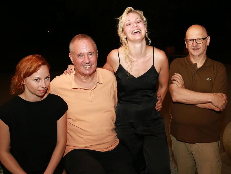 v.l.n.r:Olga Swietlicka (Choreographische Assistenz), Amos Schueller, Silke Grabinger, Dr. Christian Kloyber